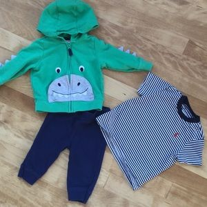 Cute play outfit size 6M